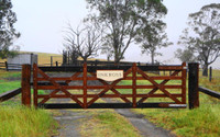 Vineyard Gate - 3.9m