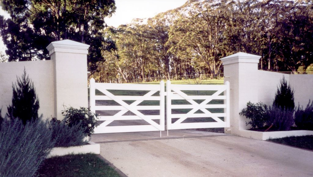 Double 5-rail Farm Gate - painting by others