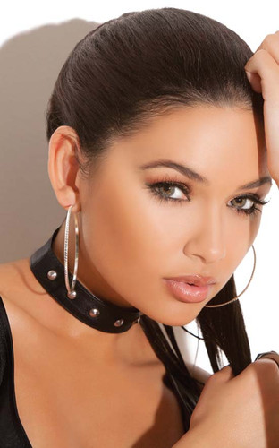 Elegant Moments Leather Choker with studs