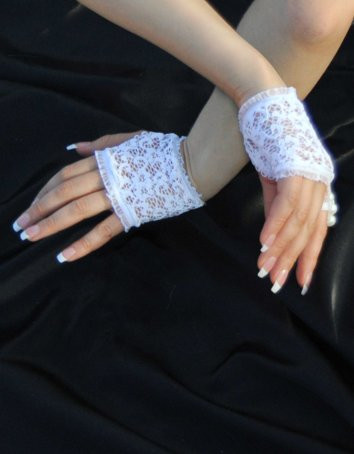 Fearless And Fun Lingerie White Lace Fingerless Gloves