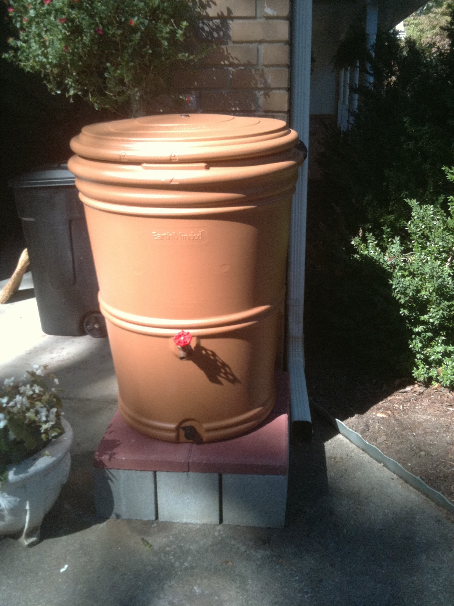 concrete-rain-barrel-stand.jpg