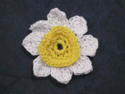 Daisy crocheted cotton sew on patches appliques