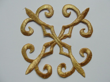 Gold Metallic Floral Square Scrollwork Crest Costume Iron On Patch Applique 5 Inches