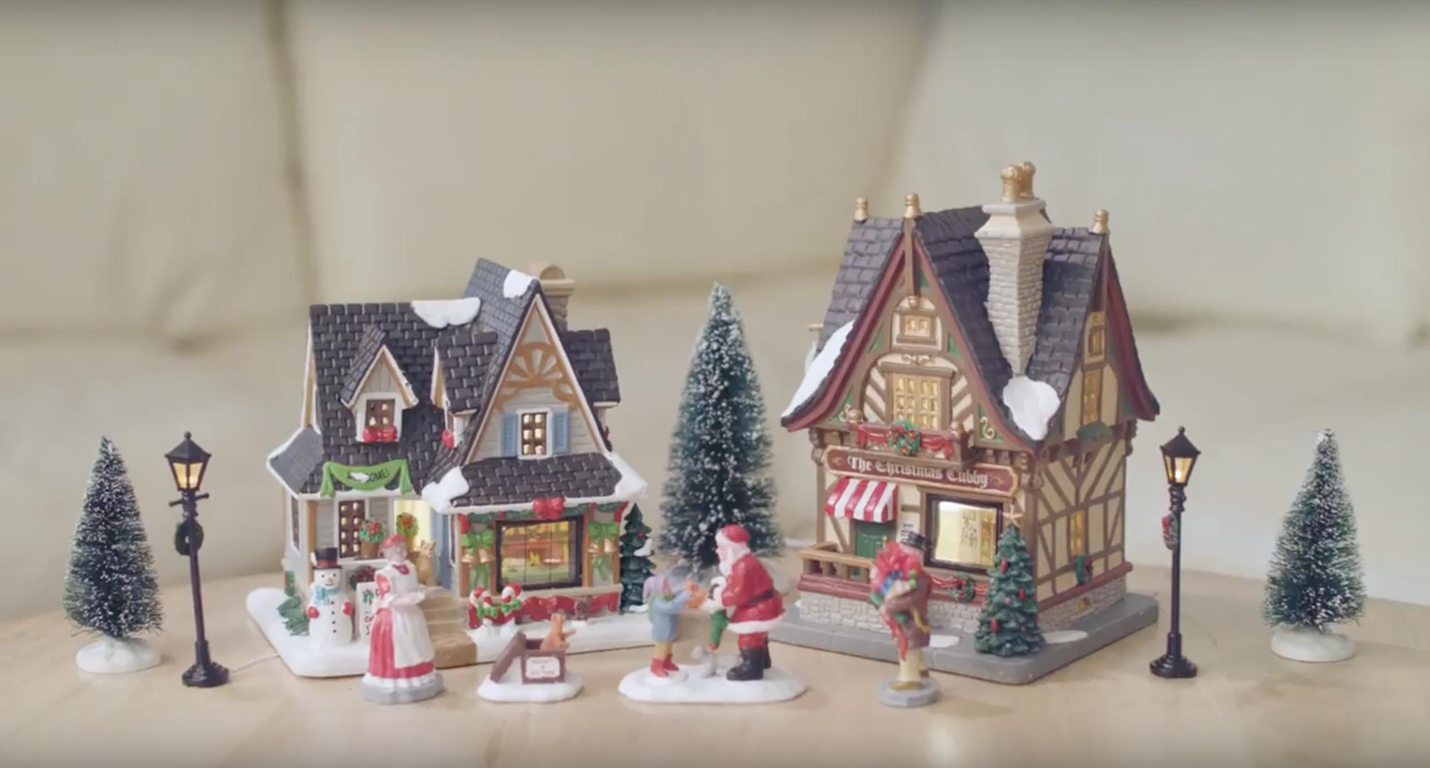 Lemax Christmas Village Starter Kit Christmas Elves