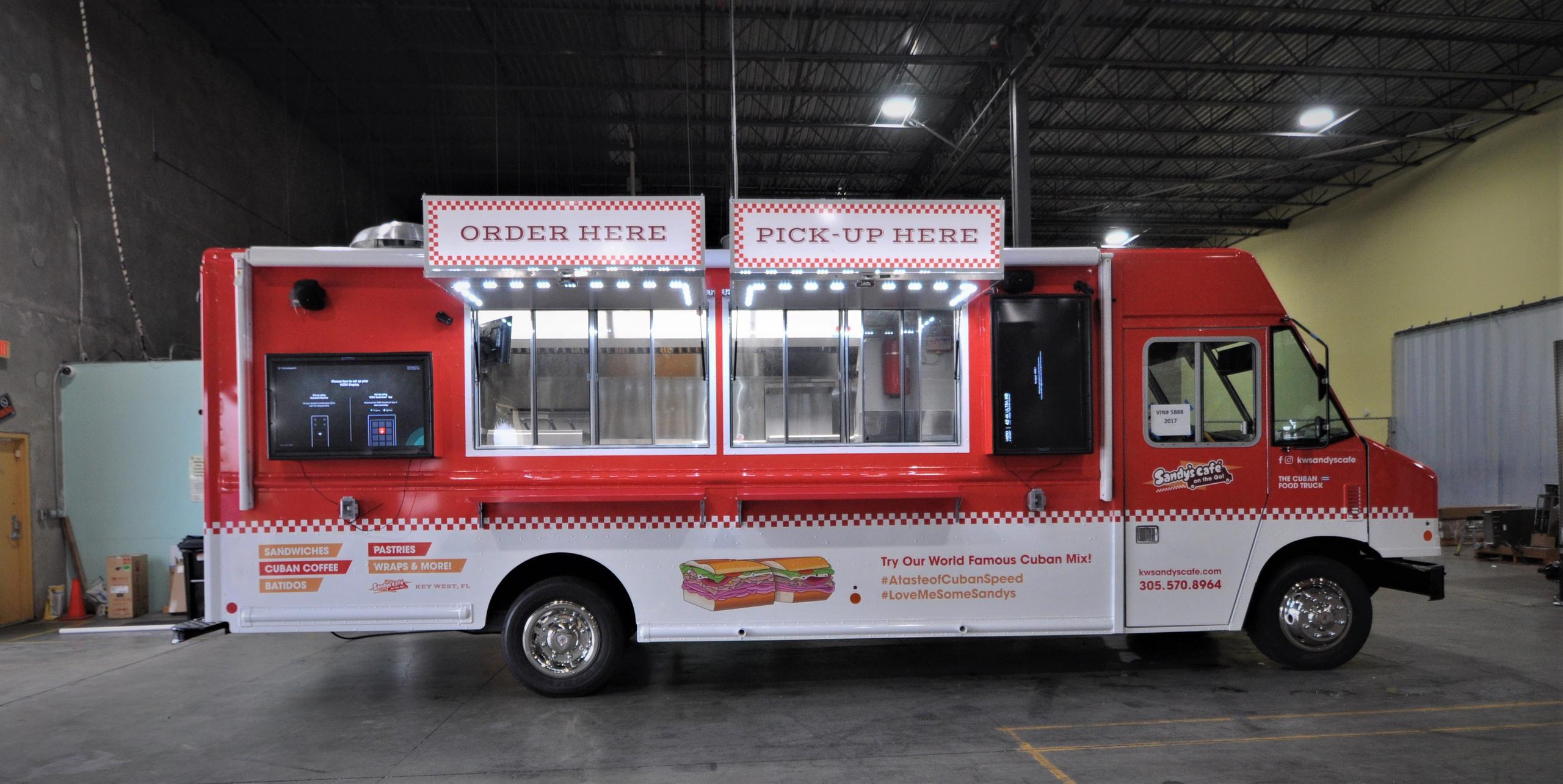 Preferred Design an impressive, mouth-watering food truck menu board - The  UH49