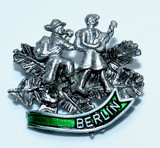 HP8477B Hikers Hat Pin BERLIN