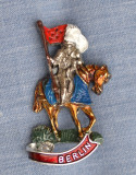 HP8306 Soldier with Horse Hat Pin BERLIN