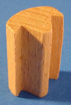 Natural Pyramid Fence Post 25mm Long