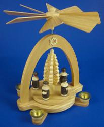 Carolers Shaved Tree Pyramid