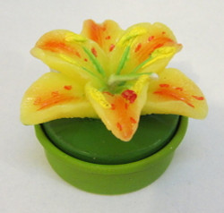 Tea Light Four Lily Flower Shaped Candles CDDLILY4