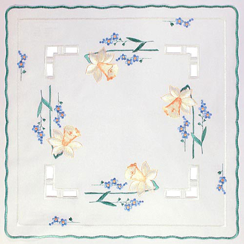 German Table Topper Daffodils Square Doily LNNARZISSEN35X35