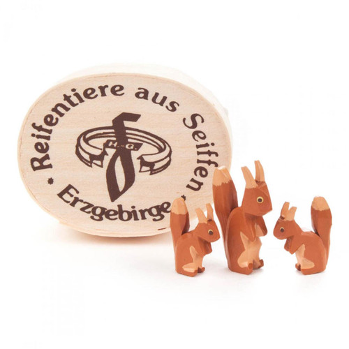 Squirrels Hand Carved Wooden German Figurine Set Three 1 inch to 1/2 inch