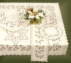 German Table Topper Holiday Holly OVAL - LN3826-10