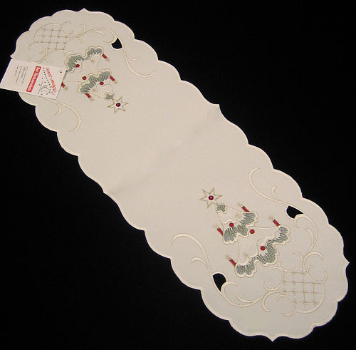 German Christmas Tree Oval Table Topper