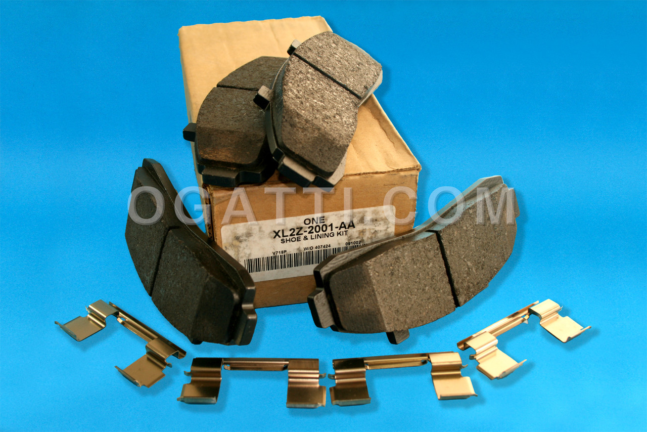NEW GENUINE OEM Ford XL2Z-2200-AA REAR Disc Brake Pads
