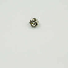 RB18-CR; 4.6mm diameter ball with six 18pp (2.5mm) Crystal rhinestones - 4 pieces per package