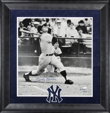 Yankees Mickey Mantle Signed Framed 19.5x20.5 Photo LE #41/100 JSA & Fanatics