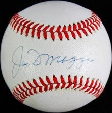 Yankees Joe Dimaggio Signed Authentic Oal Baseball Autographed PSA/DNA #W06904