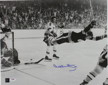 Bruins Bobby Orr Signed 16X20 Photo Auto Graded Gem 10! Gnr Holo/COA & PSA/DNA