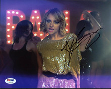 Abby Elliott Saturday Night Live Signed Authentic 8X10 Photo PSA/DNA #Z56150