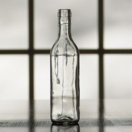 375 ml Clear Semi-Burgundy split bottle