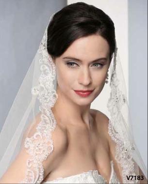 Bel Aire Bridal Veil V7183 Beaded Alençon Mantilla Veil - Waltz Length