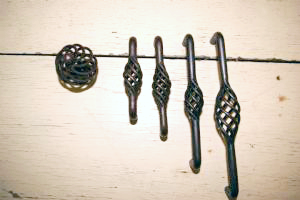 Lowest Prices On Rustic Oil Rubbed Bronze Cabinet Knobs And Drawer Pulls  Www.completehomehardware.
