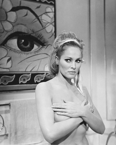 Casino Royale Bathroom Fight: Ursula Andress Casino Royale Posters And Photos 171071