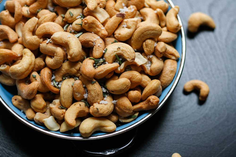 best nuts for endurance - cashew