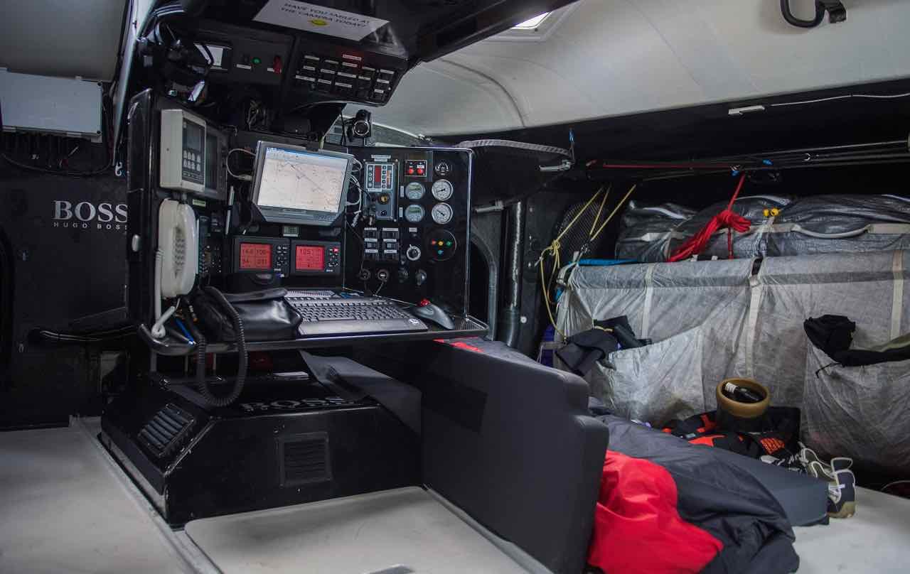 vendee globe extreme endurance 33shake cockpit