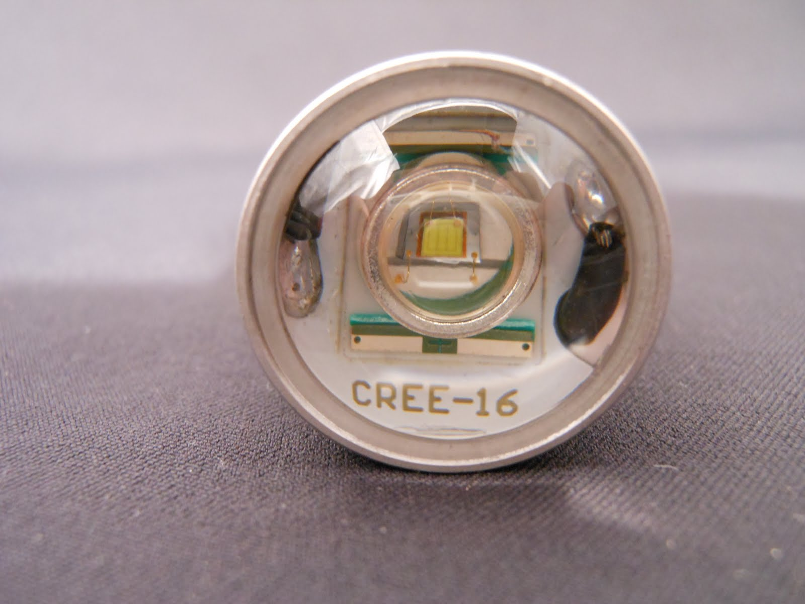 100 Series 5W CREE Q5 High-Power Reverse Bulbs (front)
