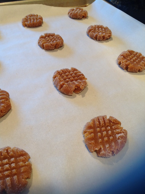 gluten-free-peanut-butter-cookies-criss-cross-for-web.jpg