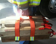 Cribbing strap tote carries 9 or 12 4x4 pieces of cribbing