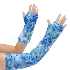 Do you love the ever changing green and blue color of tidal pools? The depth of color is mesmerizing! You can have nearly the same experience with this beautiful arm cast cover. Available in long and short arm styles.