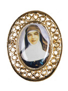 Gilt Brooch 25mm: Mary MacKillop (ME51358B)