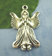 Pendant: Praying Angel, 35mm (P027)
