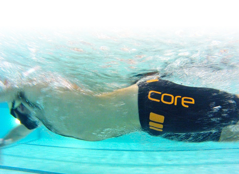blueseventy-core-shorts-black-orange-mytriathlon-inthepool.jpg