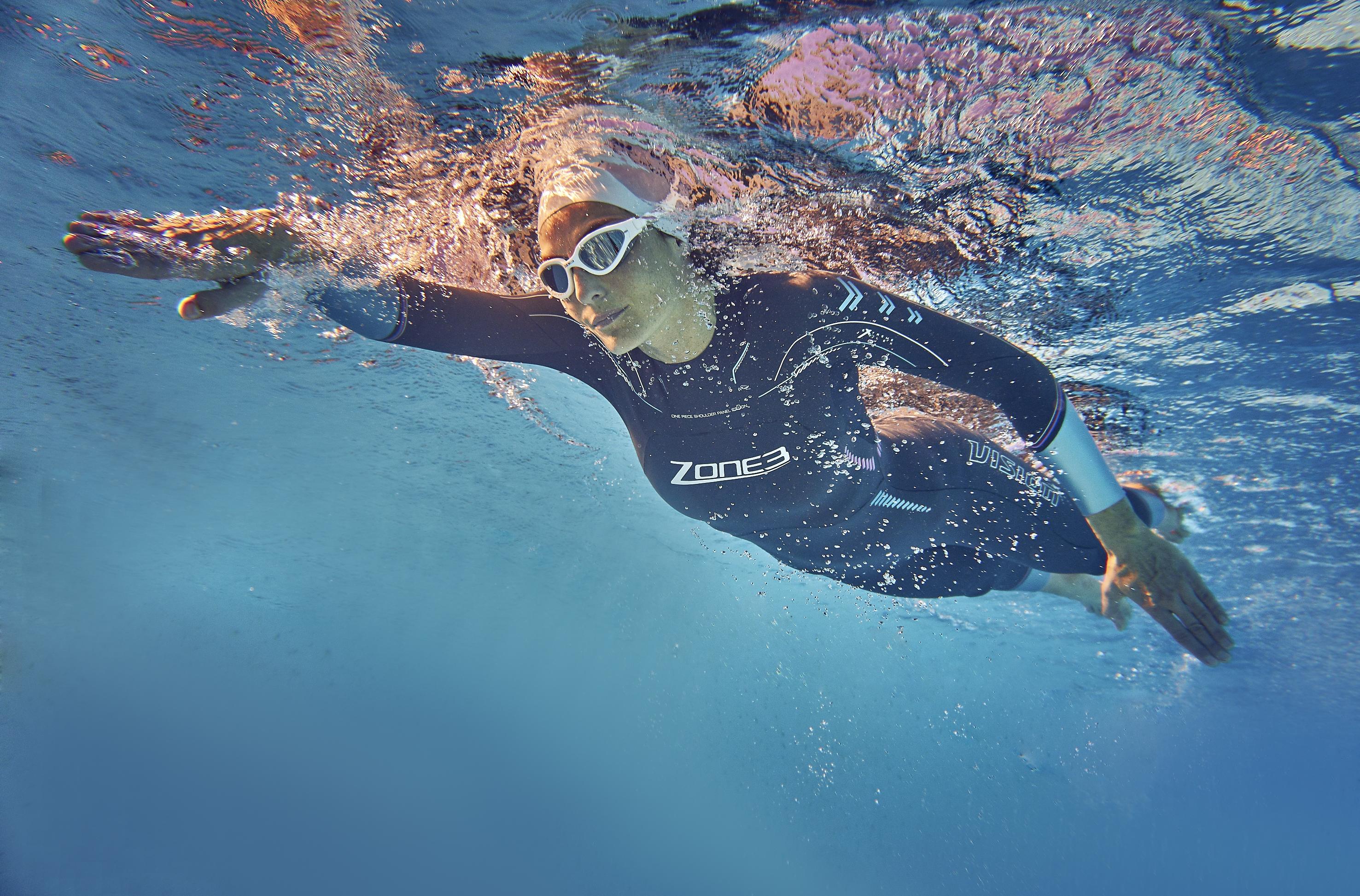women-s-vision-wetsuit-lifestyle-2-.jpg