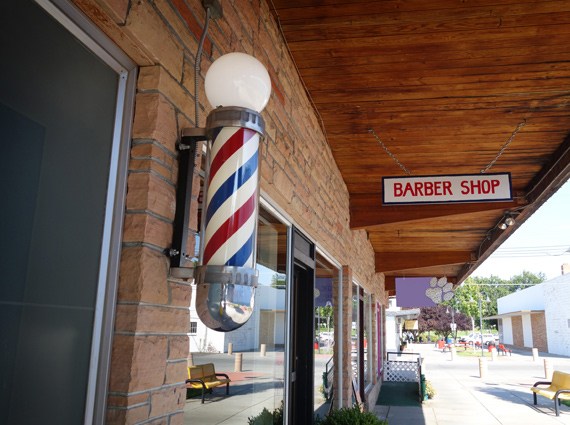 Barber shop entrance in strip mall