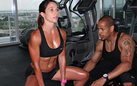 personal trainer providing individual customer experience