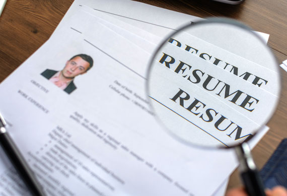 Simple resume format that stands out to hiring managers