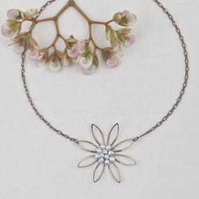 Pearl Flower Necklace*
