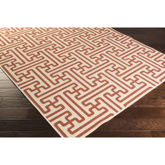 An outdoor rug with a modern alfresco design for your home.