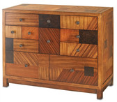 Beautifully crafted wooden chest that would make an outstanding addition to the bedroom.