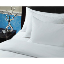 Royaloft Comforter Queen 93x98 38 Oz White Case Of 2