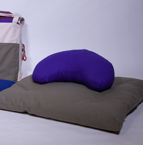 Deluxe Zabuton with Crescent Pillow