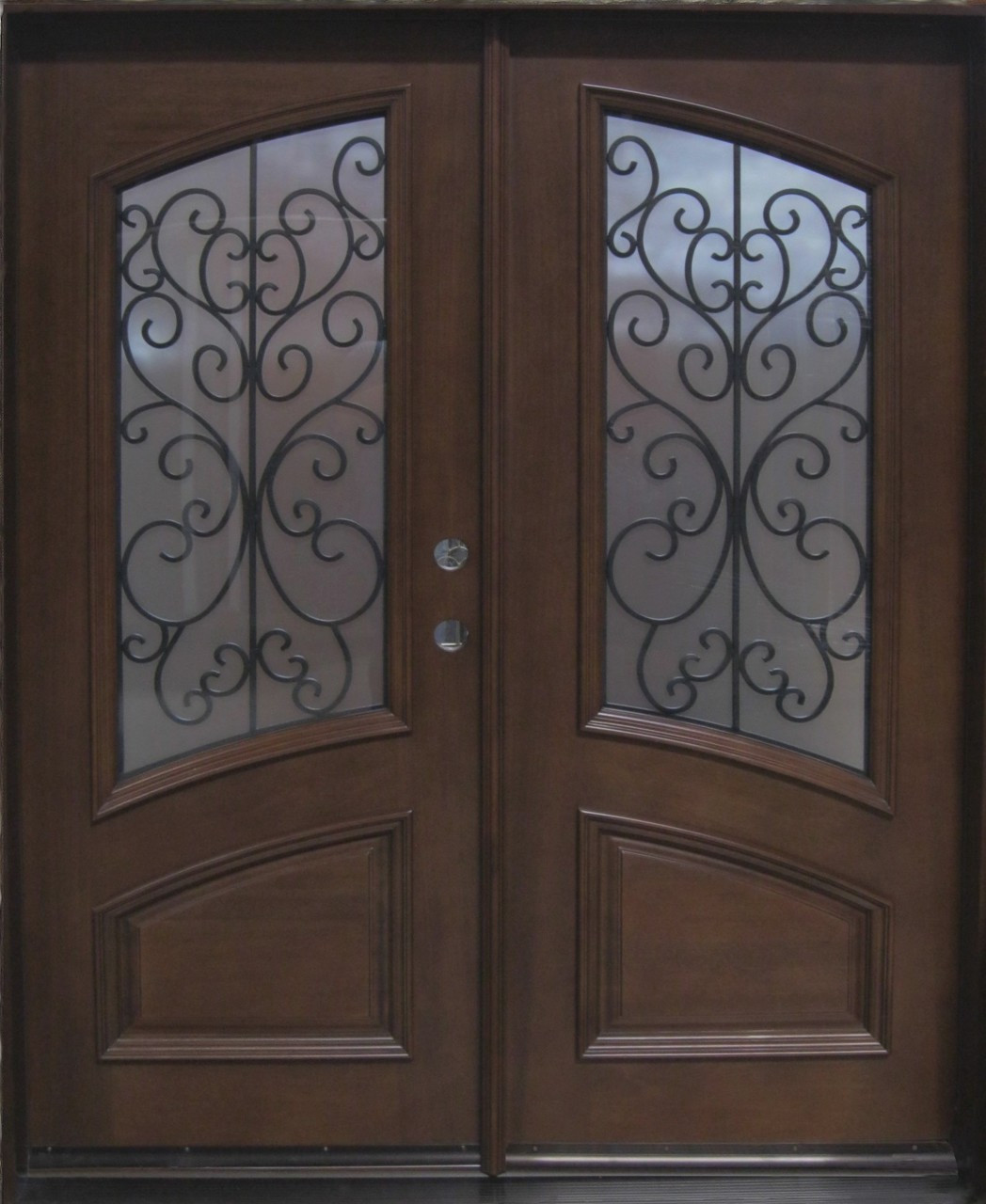 Discount Door Center Prehung and Prefinished 3/4 Deluxe Oval Entry on