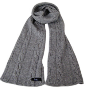 Cashmere and wool scarf for women