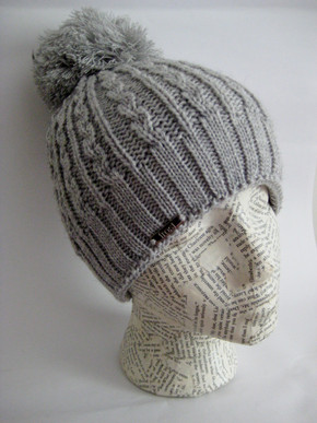 Cable knit winter hat for women
