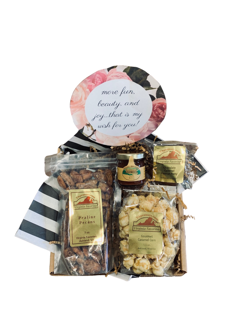 7 oz. praline pecans, 1 oz. apple butter, 1 chocolate caramel peanut patty, 1.5 oz. gourmet caramel corn